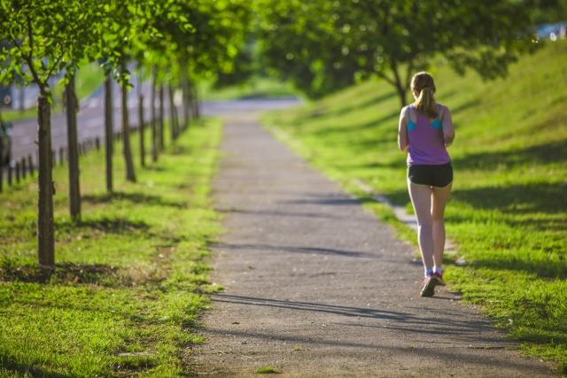 91d3e2377d6de 名古屋ウィメンズマラソンを走る女性ランナーに向けた春の新コレクション「SAKURA PACK」が登場   ~スポーツまとめ~ スポラボ-SPOLABO